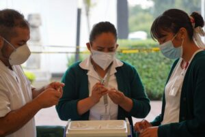 CDMX iniciará vacunación a menores con comorbilidades el lunes